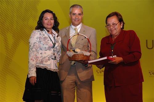 Peru presents gift to the CBD Museum of Nature and Culture © CBD