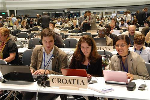 COP 10 Plenary Secretariat of the Convention on Biological Diversity